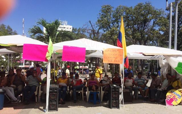 Los pimpineros mantienen la huelga en el parque Santander de Cúcuta.