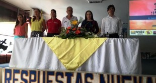 En la Mesa participaron rectores, docentes, estudiantes, veedores ciudadanos, Contraloría Municipal y Procuraduría Regional.