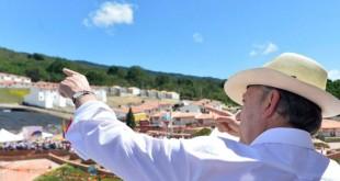 """""""Es un municipio bien diseñado, bien construido. Nos demoramos más de la cuenta. Agradezco la paciencia, pero ha valido la pena esa espera"""": Santos."""
