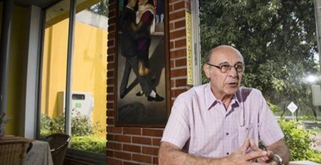 El argentino, nacido en  Colonia Caroya, el 18 de septiembre 1946, llegó al Cúcuta Deportivo, el 3 de febrero de 1971.